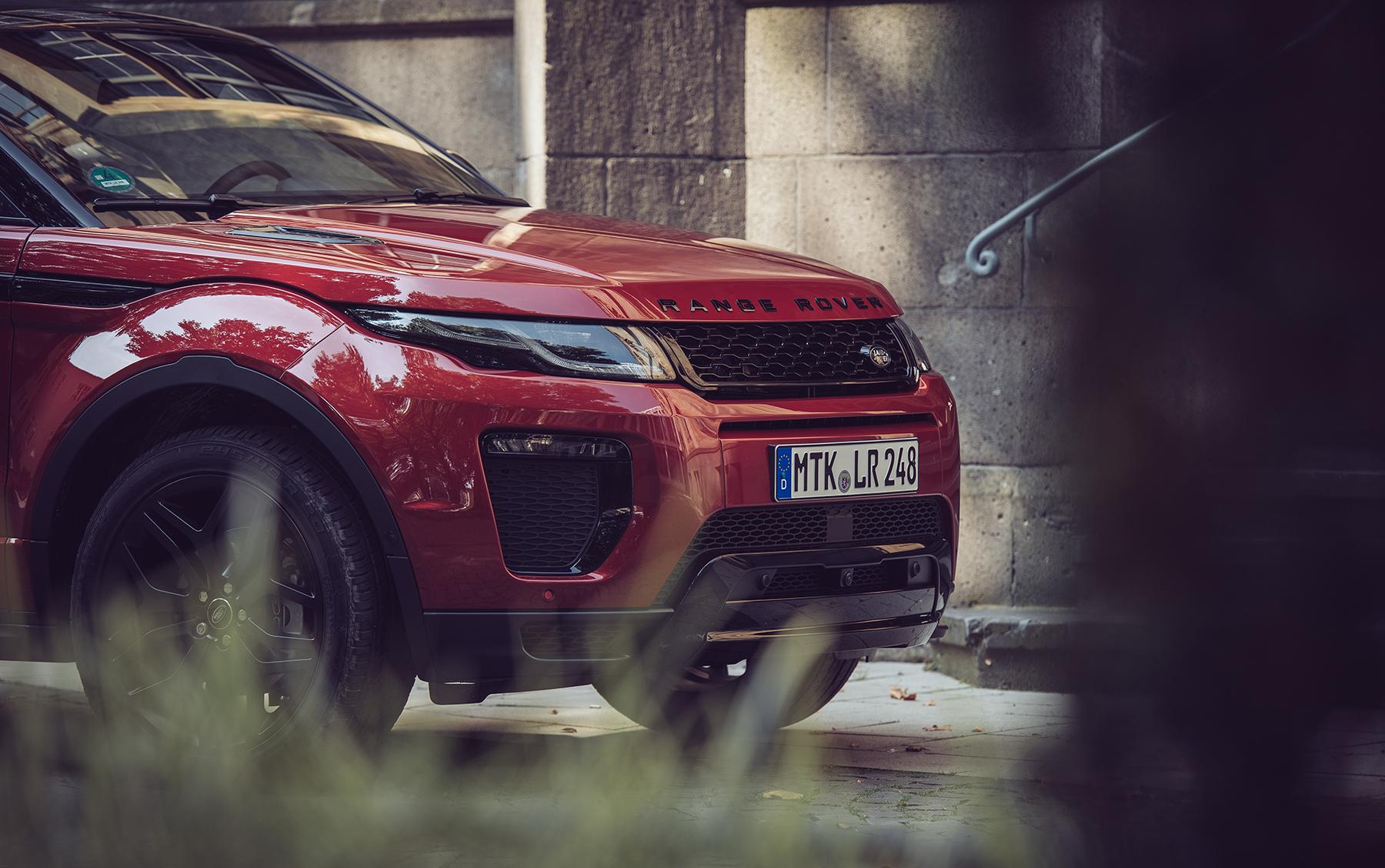 Jungs, die Range Rover fahren